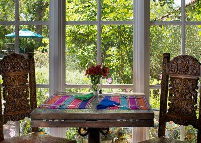 breakfast-table1000x636